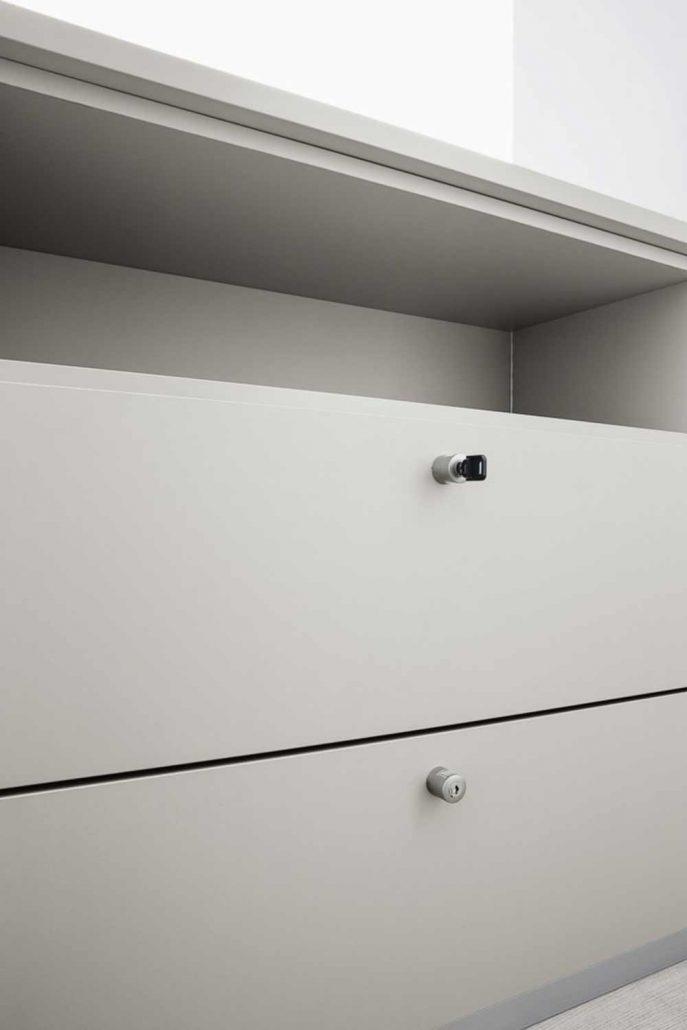 realizzazione armadio ufficio 2